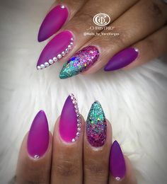Nail art Christmas - the festive spirit on the nails. Over 70 creative ideas and tutorials - My Nails Fancy Nails, Trendy Nails, Crazy Nails, Coffin Nails Designs Summer, Almond Nails Designs, Unicorn Nails, Hot Nails, Purple Nails, Holiday Nails