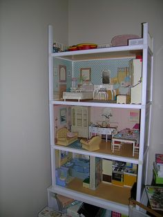 I loved my Sindy house. So multifunctional as used to take it apart and make new toys with it. Made a fab cot lol 1970s Toys, Retro Toys, Vintage Toys, 1980s Childhood, Childhood Memories, All American Doll, Best Doll House, Sindy Doll, 80s Kids