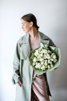 Розы для девушки в день рождения, юбиляра, коллеги или просто без повода Mint Flowers, Fashion, Moda, Fashion Styles, Fashion Illustrations