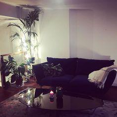 #punavuori #helsinki #finland #livingroom #velvetsofa #decor #homedecor #penthouse Velvet Sofa, Decorating Small Spaces, Helsinki, Finland, Couch, Living Room, Interior Design, Furniture, Home Decor
