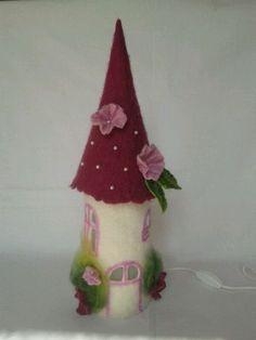 Filzlampe Perle dunkelpink von Prinzessin Wunder auf DaWanda.com