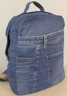 Fantastic Back pack made with recycled jeans . You woll love these idea .  #handmade #withlove