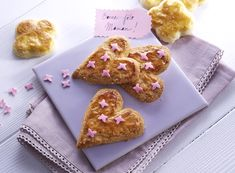 Sablés de la fête des mères #AuchanEtMoi #auchan French Food, Happy Mothers Day, Gingerbread Cookies, Gluten Free Recipes, Entrees, Buffet, French Toast, Muffins, Deserts