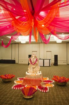 Better photo of the center of the garba, which I absolutely adore. Super clean, organized, colourful, and pretty.