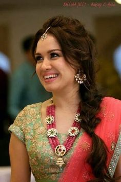 6 Perfectly Imperfect Messy Hairstyles To Rock At Your Engagement Party wedding and engagement hairstyles 2019 - Saree Hairstyles, Indian Wedding Hairstyles, Messy Hairstyles, Hairdos, Indian Bridal Fashion, Indian Wedding Jewelry, Side Chignon, Bridal Hair Buns, Bridal Hairdo