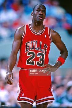 Fotografia de notícias : Michael Jordan of the Chicago Bulls looks on...