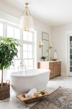 Ideal Bathrooms, Beautiful Bathrooms, White Bathrooms, Luxury Bathrooms, Estudio Mcgee, Bathroom Goals, Bathroom Interior Design, Bath Remodel, Bathroom Inspiration