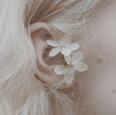 Florrie La Fangirl — (Terrible) Luna Lovegood aesthetic.