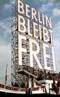 Aufsteller zur !.Mai-Kundgebung 1959