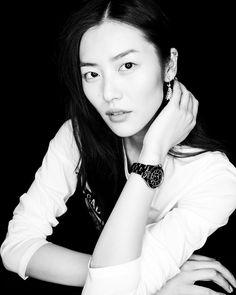 "61.7k Likes, 450 Comments - Liu Wen (刘雯) (@liuwenlw) on Instagram: ""#mademoiselleJ12 ⚫️⚪️"""