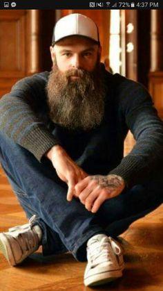 Casual and manly. Beard And Mustache Styles, Beard No Mustache, Hair And Beard Styles, Grey Beards, Long Beards, Hipster Beards, Big Beard, Full Beard, Hairy Men