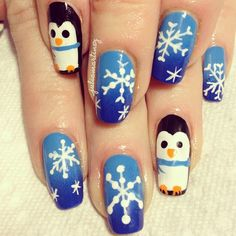 The cutest baby penguins with snowflakes. Penguins are my fav animal Cute Nails, Pretty Nails, Mani Pedi, Manicure, Talon Nails, Les Nails, Holiday Nail Art, Gel Nail Designs, Cool Nail Art