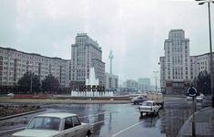 1968 Berlijn, Karl-Marx Alle, Strausberger Platz.jpg