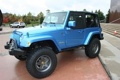 Jeep Wrangler everything-blue