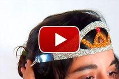 Guia para crear una tiara con una botella de plástico. Como reciclar botellas creando una tiara. Una tiara con una botella de plastico: reciclaje Fiesta Party, Fashion, Recycled Bottles, Upcycling, Create, Fiestas, Moda, Party, Fashion Styles