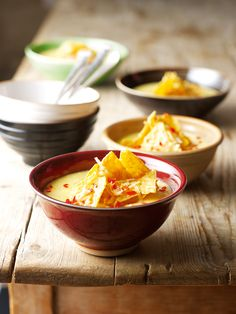 Nigella sweetcorn chowder with toasted tortilla's (or just tortilla chips) Nigella Lawson, Soup Recipes, Snack Recipes, Cooking Recipes, Recipies, Chowder Soup, Tortilla Recipe, Tortilla Chips, Ideas