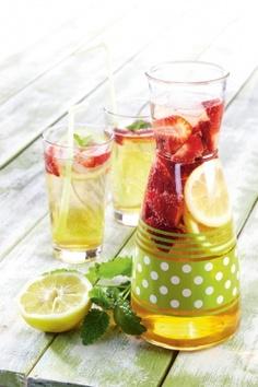Hunajainen mansikkabooli | K-ruoka Punch Bowls, Food To Make, Wine, Drinks, Bottle, Recipes, Beverages, Flask, Drink
