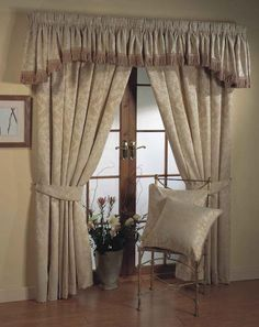 2013 Luxury Living Room Curtains Ideas