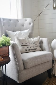 The Best Tufted Neutral Chairs -