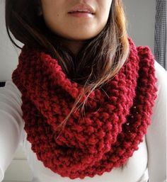El cuello es la principal competencia de la bufanda pero también su mayor aliado, pues son prendas absolutamente complementarias. Ambas pueden ser igualmente vistosas y, más importante aún, las dos…