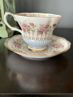 Vintage Gorgeous Royal Albert Teacup and Saucer Green Park Series, Blue, Chelsea Shape Teacup, Bone China, England, Stunning Pink Roses Pale Pink, Pink Roses, Pink Flowers, Chocolate Photos, Hot Chocolate, Cherry Blossom Bonsai Tree, Green Park, Robins Egg, Royal Albert