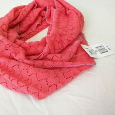 •BNWT• C o r a l  I n f i n i t y  S c a r f Super cute lightweight infinity scarf. Brand new, never worn. Really cute cutout diamond pattern. Coral color. Accessories Scarves & Wraps