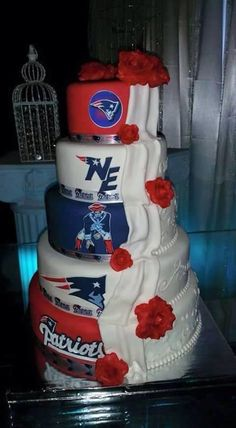 Love this cake.. #GoPats I would totally be okay with this wedding cake