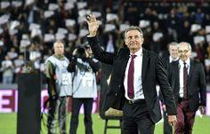 Le Stade Toulousain et son public ont rendu hommage à Guy Novès, l'ancien manager du club, le 7 novembre 2015 au stade Ernest-Wallon.