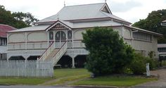 On my way home from visiting Mum and Dad I drove through the town of Maryborough and as I looked at the houses it set me thinking. Australian Cruises, Australian Homes, Queenslander House, Country Sampler, Building A House, Building Homes, My Dream Home, Beautiful Homes, New Homes