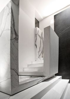 I love this stair design! A Dark, Two Level Space Gets a Dramatic Renovation in interior design architecture Category Interior Staircase, Staircase Design, Interior Architecture, Marble Staircase, Stair Design, Modern Interior, Interior And Exterior, Balustrades, Stair Detail