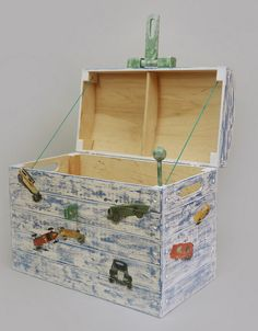 skrzynia; pojemnik; shabby chic; dekoracja dziecięcego pokoju; rekwizyt do sesji fotograficznych