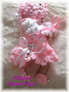 "FREE Frilly Pinafore Set 8-13"" dolls-free knitting pattern"