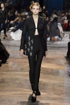 Alle Looks der Dior Haute Couture Show– zu schön, um wahr zu sein