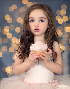 By Katie Andelman Garner - she's a Canon girl Girl Photo Shoots, Girl Photos, Baby Photos, Beautiful Children, Beautiful Babies, Kind Photo, Toddler Photography, Toddler Birthday Photography, Indoor Photography