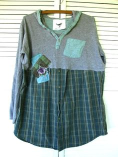 RESERVED for someone Bohemian dress upcycled clothing Romantic Funky Hoodie Tshirt Baby doll dress Artsy Tunic cowgirl dress eco urban Casual Medium-Large-XLarge So fun and flirty, Original.one of a kind tunic/dress. Redo Clothes, Sewing Clothes, Cowgirl Dresses, Cowgirl Clothing, Cowgirl Fashion, Altered Couture, Creation Couture, Shirt Refashion, Altering Clothes