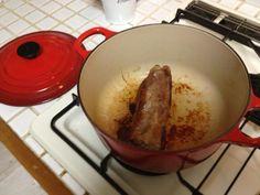 【ル・クルーゼ公式Twitterから】ローストポーク作ってみました。塩胡椒してやきつけてから、ルクルーゼへ。簡単美味しい‼家の定番です。 pic.twitter.com/J0ay7R9K