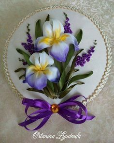 Wonderful Ribbon Embroidery Flowers by Hand Ideas. Enchanting Ribbon Embroidery Flowers by Hand Ideas. Ribbon Embroidery Tutorial, Embroidery Patterns Free, Silk Ribbon Embroidery, Embroidery For Beginners, Embroidery Kits, Embroidery Stitches, Embroidery Designs, Eyebrow Embroidery, Embroidery Tattoo