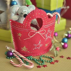 DIY Christmas Gift Bags- these are really fun to make and give.
