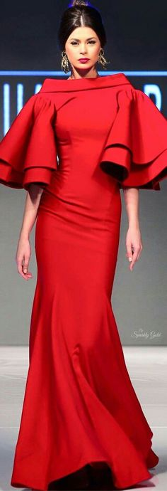 Red dress with big sleeves