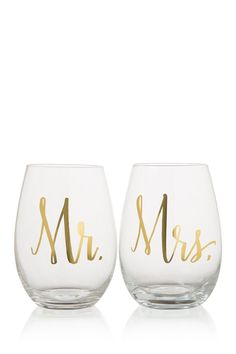"""Beautiful stemless wine glass set with gold foil and reads """"Mr."""" Perfect gift for your favorite newlywed wine lovers. Features and Facts: Glass Stemless Wine Set. Measures: x Material: Glass. Wine Glass Designs, Modern Wedding Inspiration, Toasting Flutes, Gifts For Wedding Party, Wedding Ideas, Wedding Things, Wedding Stuff, Wedding Toasts, Wine Glass Set"""