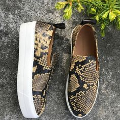 Vans Classic Slip On, Sneakers, Shoes, Fashion, Pictures, Tennis, Moda, Slippers, Zapatos