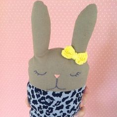 Cute little bunny softies. Print the pattern and sew!