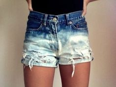 the perfect bleached shorts. neeeed