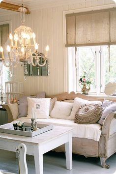 Ok, I totally want to make curtains like this for the sunroom!! So cute! Now to decide what colour - white, grey, teal, yellow? Or maybe white facing outwards and a fun colour facing inwards?