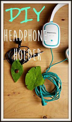 Ángela Cabrera: DIY Headphone Holder