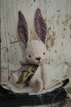Artist Bear handmade Bunny Hettie by bearwithmee on Etsy, £80.00