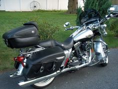 2003 Harley Davidson Road King Classic: Similar to the Hubby's bike