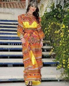 Berber traditional dress from , Folk Fashion, Womens Fashion, Country Look, Bridal Dresses, Prom Dresses, Most Beautiful Dresses, Hijab Chic, Couture, Ankara Styles