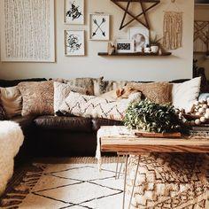 Modern boho interior decor - living rooms in 2019 home, home Home Living Room, Apartment Living, Living Room Decor, Living Spaces, Boho Home, House Rooms, Room Inspiration, Sweet Home, House Design