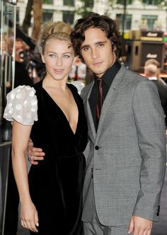 Diego Boneta and Julianne Hough at event of Rock of Ages